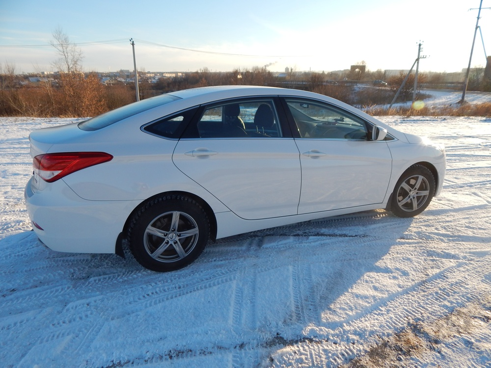 Подержанный Hyundai i40, отличное состояние, белый перламутр, 2014 года выпуска, цена 950 000 руб. в республике Татарстане