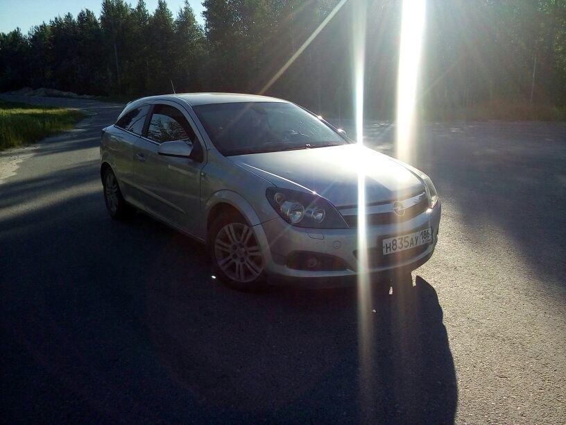Подержанный Opel Astra, хорошее состояние, серый , 2008 года выпуска, цена 350 000 руб. в ао. Ханты-Мансийском Автономном округе - Югре