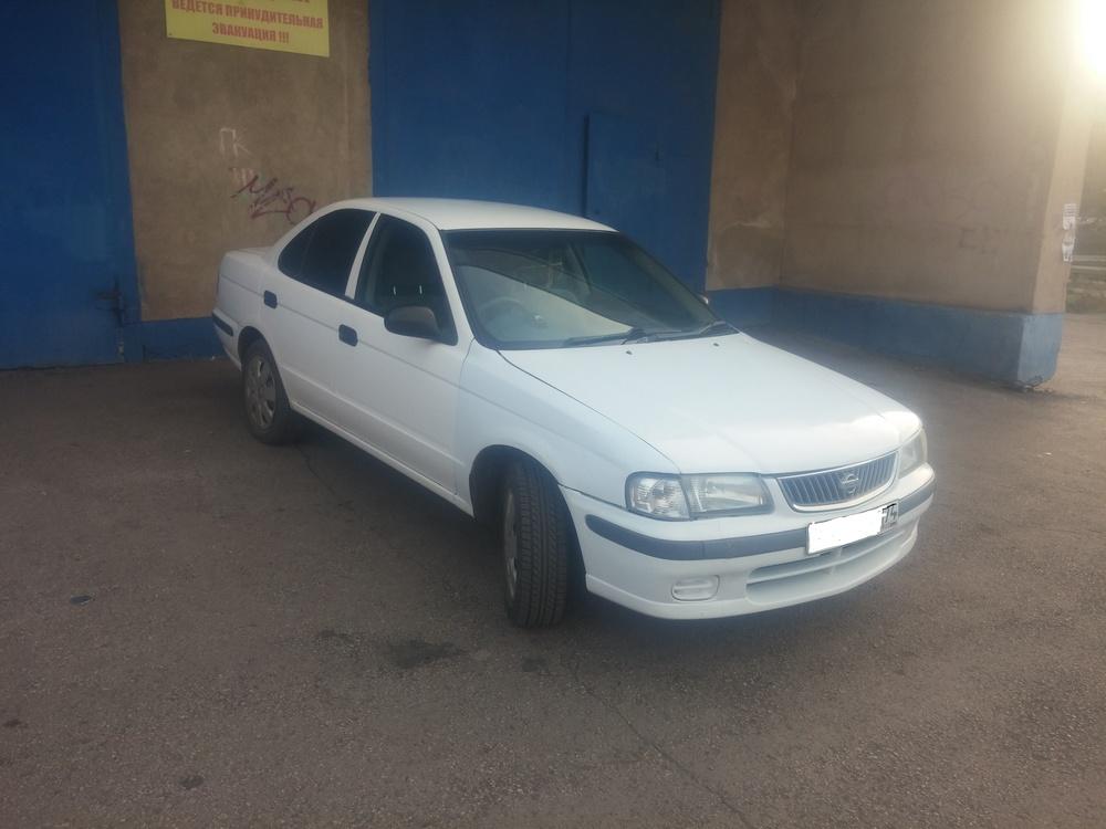 Подержанный Nissan Sunny, среднее состояние, белый , 2001 года выпуска, цена 130 000 руб. в Челябинской области