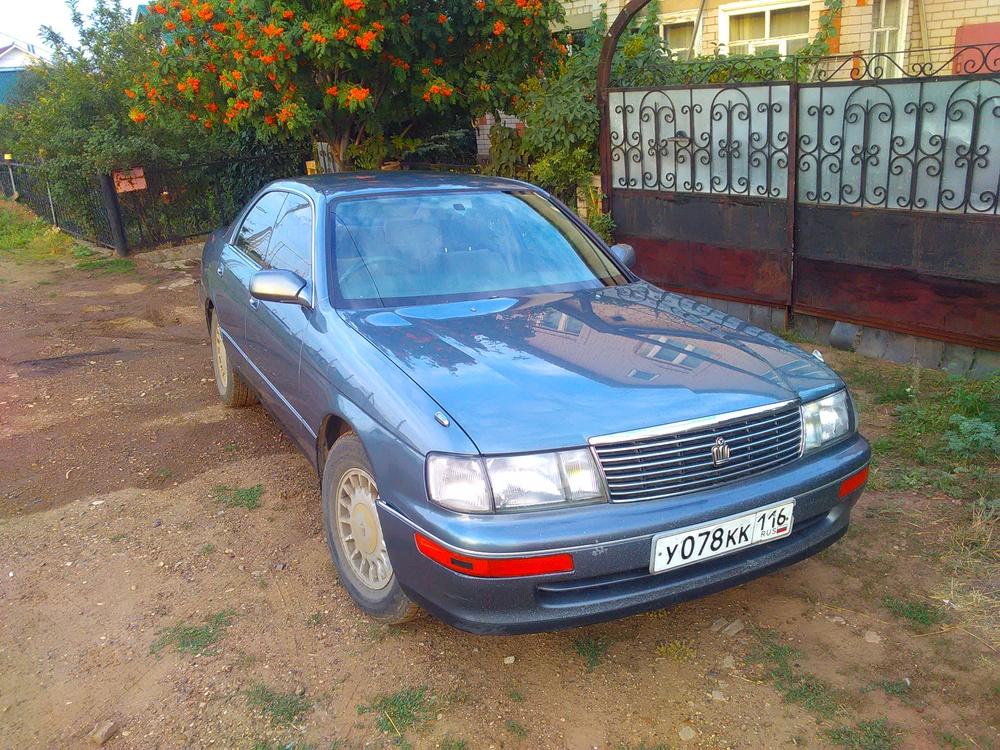 Подержанный Toyota Crown, хорошее состояние, серый металлик, 1993 года выпуска, цена 200 000 руб. в республике Татарстане