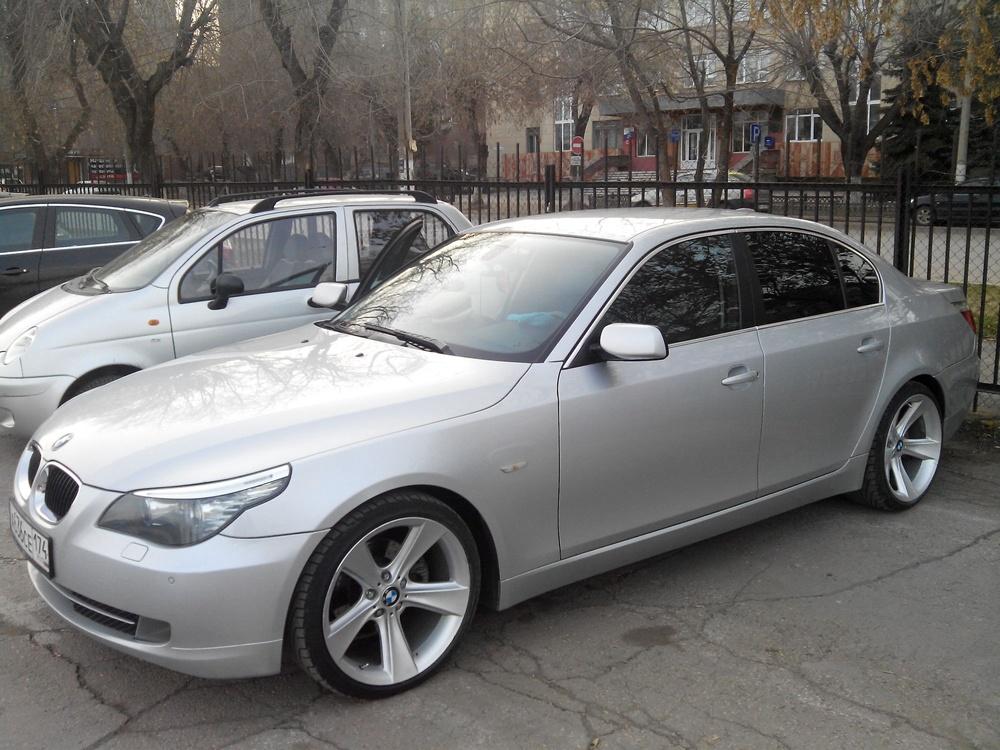 Подержанный BMW 5 серия, хорошее состояние, серебряный , 2008 года выпуска, цена 650 000 руб. в Челябинской области