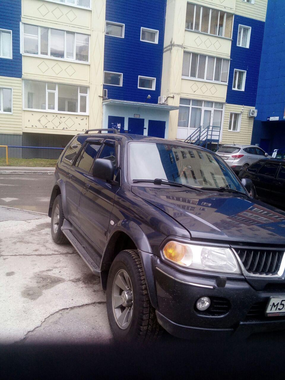 Подержанный Mitsubishi Pajero Sport, хорошее состояние, серый металлик, 2008 года выпуска, цена 730 000 руб. в ао. Ханты-Мансийском Автономном округе - Югре