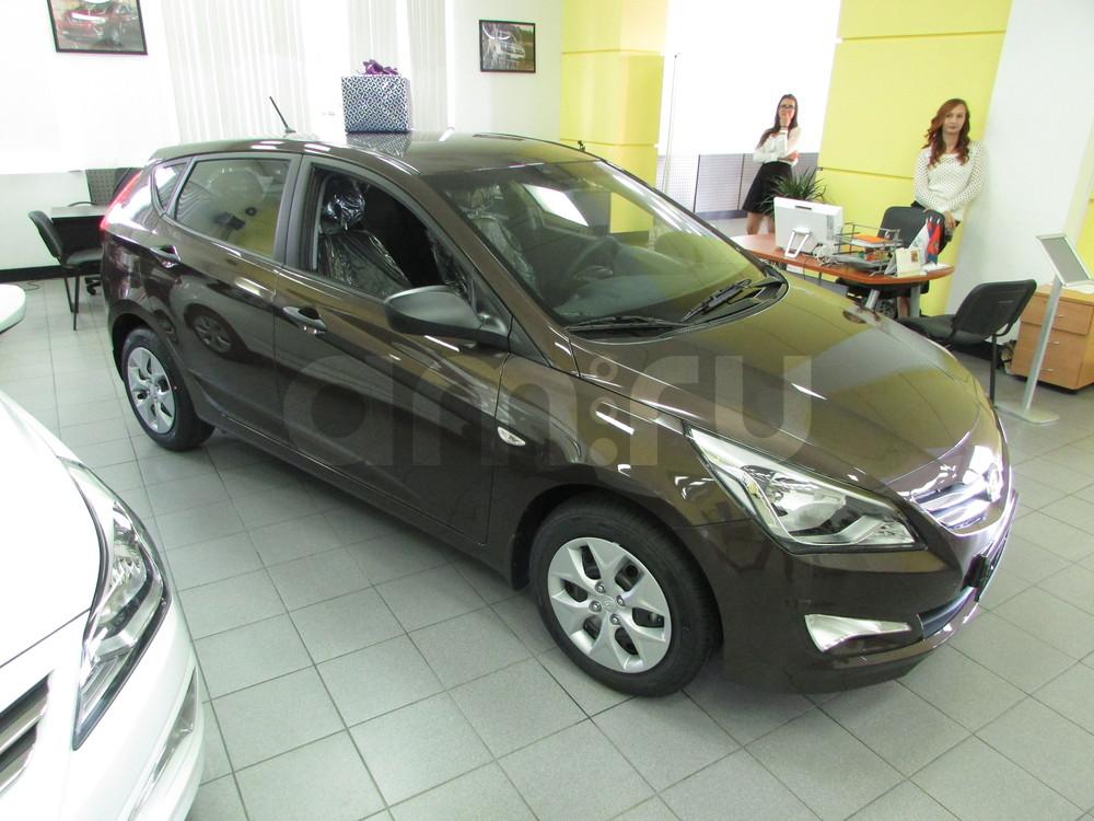 Hyundai Solaris с пробегом, коричневый перламутр, отличное состояние, 2015 года выпуска, цена 567 000 руб. в автосалоне  ()