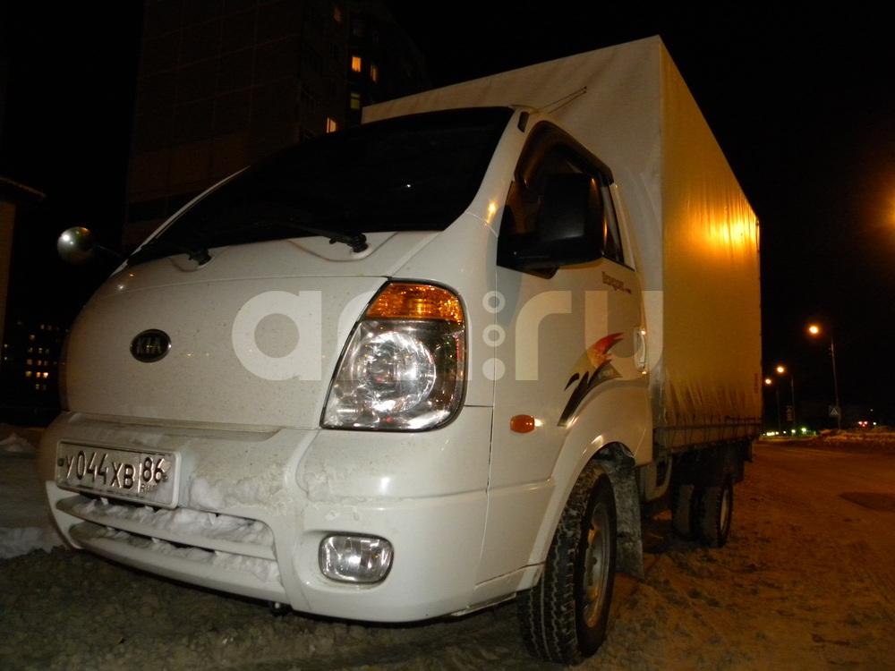 Подержанный Kia Bongo, хорошее состояние, белый , 2008 года выпуска, цена 450 000 руб. в ао. Ханты-Мансийском Автономном округе - Югре