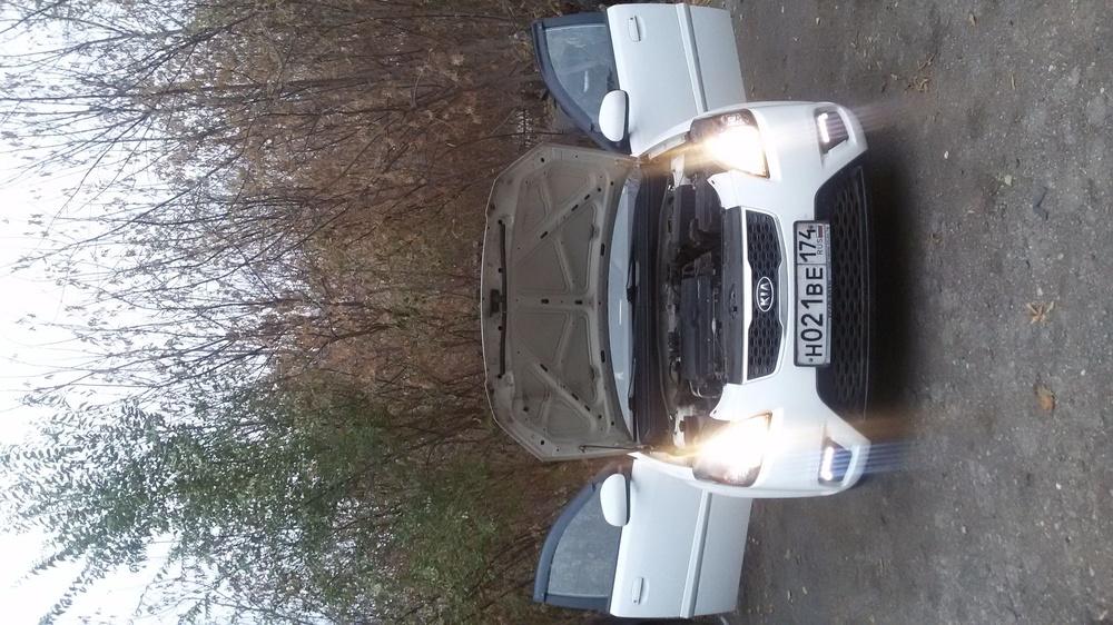Подержанный Kia Rio, отличное состояние, белый , 2011 года выпуска, цена 350 000 руб. в Челябинской области