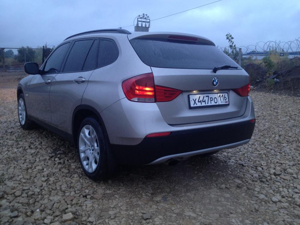 Подержанный BMW X1, отличное состояние, бежевый металлик, 2011 года выпуска, цена 860 000 руб. в республике Татарстане