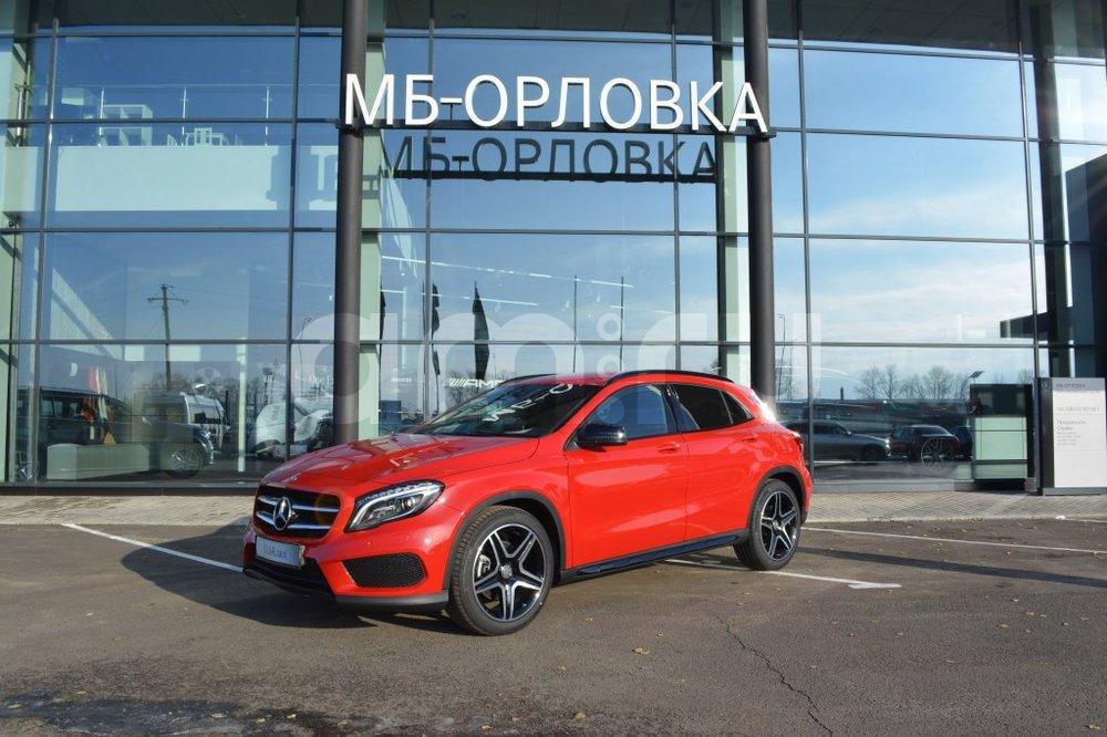 Новый авто Mercedes-Benz GLA-Класс, красный металлик, 2016 года выпуска, цена 2 390 000 руб. в автосалоне  ()