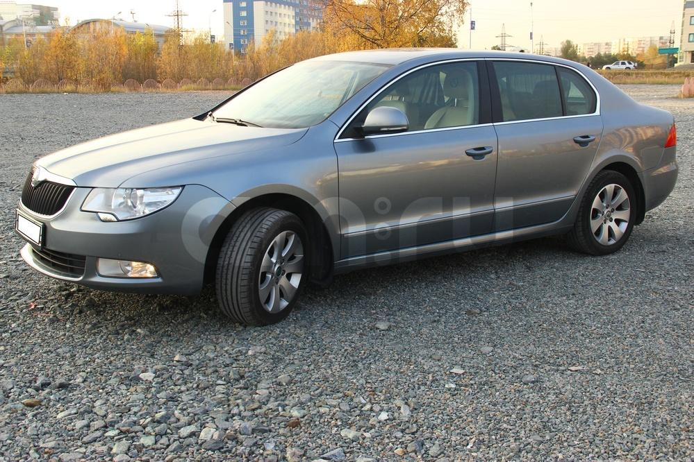 Подержанный Skoda Superb, хорошее состояние, серый , 2010 года выпуска, цена 680 000 руб. в ао. Ханты-Мансийском Автономном округе - Югре