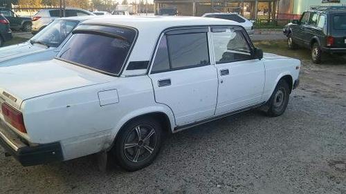 Подержанный ВАЗ (Lada) 2107, среднее состояние, белый акрил, 2007 года выпуска, цена 65 000 руб. в ао. Ханты-Мансийском Автономном округе - Югре