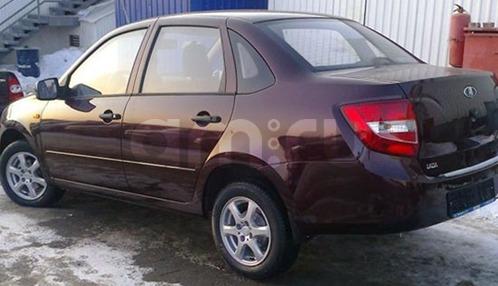 Подержанный ВАЗ (Lada) Granta, отличное состояние, бордовый , 2013 года выпуска, цена 350 000 руб. в Челябинской области