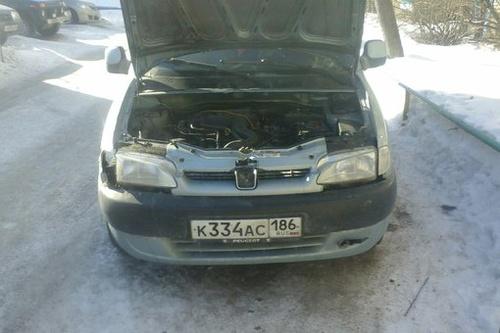 Подержанный Peugeot Partner, среднее состояние, синий металлик, 2000 года выпуска, цена 35 000 руб. в ао. Ханты-Мансийском Автономном округе - Югре