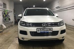 Автомобиль Volkswagen Touareg, отличное состояние, 2011 года выпуска, цена 1 700 000 руб., Югорск