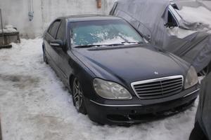 Подержанный автомобиль Mercedes-Benz S-Класс, битый состояние, 1998 года выпуска, цена 295 000 руб., Московская область