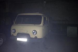 Автомобиль УАЗ 3741, среднее состояние, 1996 года выпуска, цена 95 000 руб., Кемерово