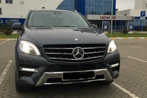 Автомобиль Mercedes-Benz M-Класс, отличное состояние, 2013 года выпуска, цена 2 500 000 руб., Самара