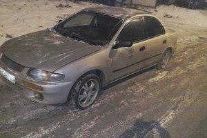 Автомобиль Mazda 323, среднее состояние, 1995 года выпуска, цена 55 000 руб., Санкт-Петербург