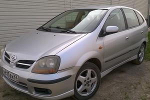 Автомобиль Nissan Tino, хорошее состояние, 2001 года выпуска, цена 200 000 руб., Смоленск