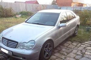 Подержанный автомобиль Mercedes-Benz C-Класс, хорошее состояние, 2001 года выпуска, цена 350 000 руб., Сургут