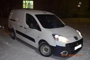 Подержанный автомобиль Peugeot Partner, хорошее состояние, 2010 года выпуска, цена 380 000 руб., Магнитогорск