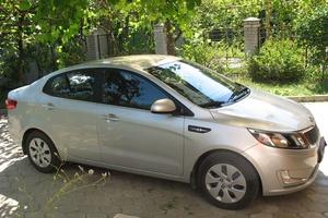 Автомобиль Kia Rio, отличное состояние, 2013 года выпуска, цена 630 000 руб., Сургут