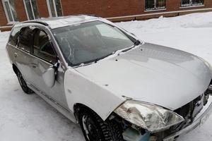 Автомобиль Nissan Wingroad, битый состояние, 2001 года выпуска, цена 130 000 руб., Рубцовск