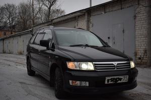 Автомобиль Mitsubishi Chariot, отличное состояние, 2001 года выпуска, цена 330 000 руб., Курск