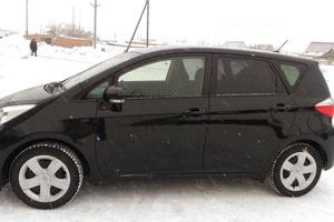 Автомобиль Toyota Ractis, отличное состояние, 2011 года выпуска, цена 550 000 руб., Новосибирск