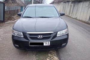Подержанный автомобиль Hyundai Sonata, хорошее состояние, 2006 года выпуска, цена 450 000 руб., Крымск