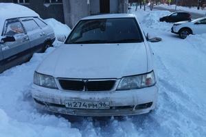 Автомобиль Nissan Bluebird, среднее состояние, 1998 года выпуска, цена 110 000 руб., Екатеринбург