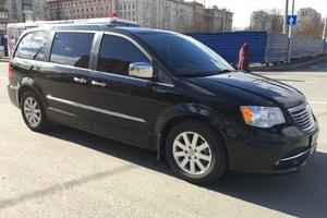 Автомобиль Chrysler Grand Voyager, отличное состояние, 2012 года выпуска, цена 1 250 000 руб., Санкт-Петербург