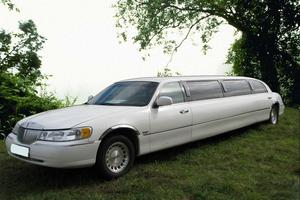 Автомобиль Lincoln Town Car, хорошее состояние, 1998 года выпуска, цена 550 000 руб., Москва