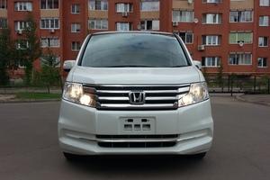 Автомобиль Honda Stepwgn, отличное состояние, 2012 года выпуска, цена 1 030 000 руб., Москва