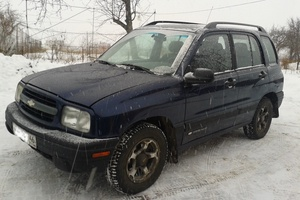 Автомобиль Chevrolet Tracker, хорошее состояние, 2000 года выпуска, цена 280 000 руб., Курск
