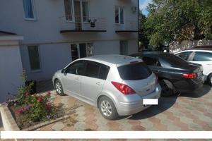 Подержанный автомобиль Nissan Tiida, хорошее состояние, 2011 года выпуска, цена 450 000 руб., Нижневартовск
