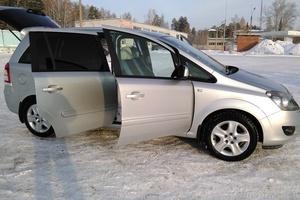 Подержанный автомобиль Opel Zafira, отличное состояние, 2013 года выпуска, цена 750 000 руб., Челябинская область
