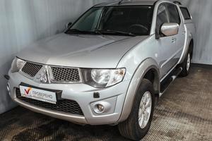 Авто Mitsubishi L200, 2011 года выпуска, цена 899 000 руб., Санкт-Петербург