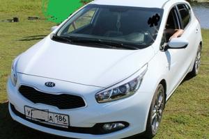 Подержанный автомобиль Kia Cee'd, хорошее состояние, 2013 года выпуска, цена 720 000 руб., Сургут