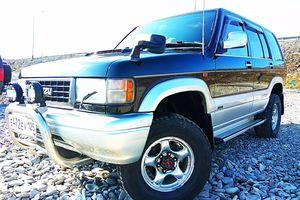 Автомобиль Isuzu Bighorn, отличное состояние, 1996 года выпуска, цена 500 000 руб., Владивосток