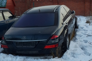 Подержанный автомобиль Mercedes-Benz S-Класс, битый состояние, 2007 года выпуска, цена 390 000 руб., Серпухов