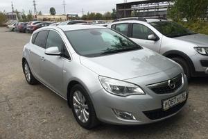Подержанный автомобиль Opel Astra, отличное состояние, 2011 года выпуска, цена 600 000 руб., Нижневартовск