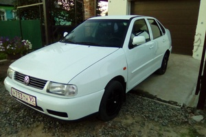 Автомобиль Volkswagen Polo, хорошее состояние, 1998 года выпуска, цена 180 000 руб., Рославль