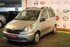 Авто Toyota Yaris, 2003 года выпуска, цена 185 000 руб., Москва