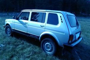 Подержанный автомобиль ВАЗ (Lada) 4x4, отличное состояние, 2014 года выпуска, цена 375 000 руб., Усть-Катав