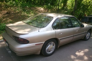Автомобиль Pontiac Bonneville, хорошее состояние, 1993 года выпуска, цена 130 000 руб., Москва