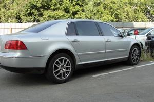 Автомобиль Volkswagen Phaeton, хорошее состояние, 2005 года выпуска, цена 700 000 руб., Казань
