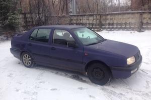 Автомобиль Volkswagen Vento, хорошее состояние, 1994 года выпуска, цена 78 000 руб., Великий Новгород