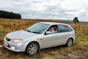 Автомобиль Mazda Familia, хорошее состояние, 2002 года выпуска, цена 250 000 руб., Первоуральск