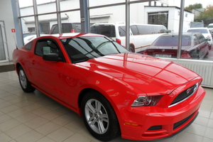Авто Ford Mustang, 2013 года выпуска, цена 1 980 000 руб., Москва