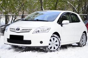 Авто Toyota Auris, 2012 года выпуска, цена 745 000 руб., Новосибирск