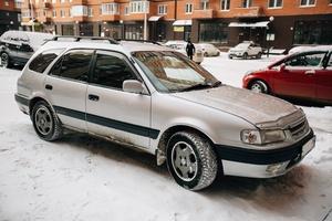 Автомобиль Toyota Sprinter Carib, хорошее состояние, 2001 года выпуска, цена 240 000 руб., Иркутск